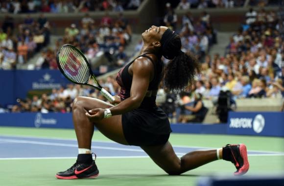 Serena Williams en pleno partido del US Open. Foto: AFP