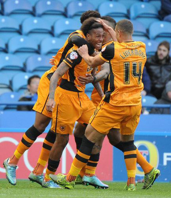 Abel Hernández celebra su gol ante Sheffield. Foto: @HullCity