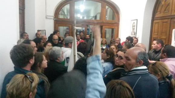 Funcionarios de la FFSP protestan dentro del MSP. Foto: Carlos Tapia
