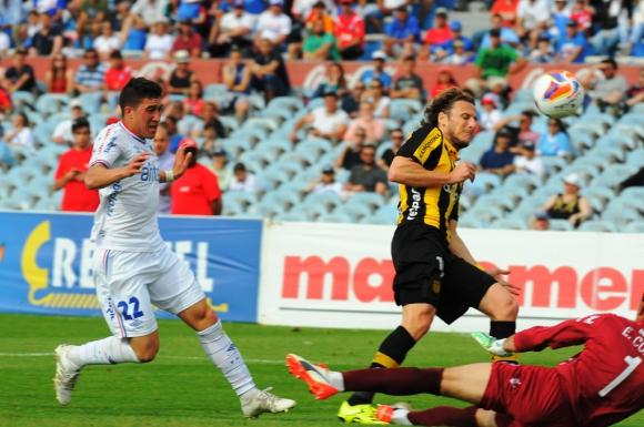 Tercera. A los 37' le ahogó otro gol a Forlán.