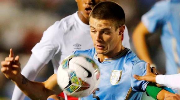 Capitán. Nahitán Nandez es uno de los referentes de Uruguay. Foto: Archivo El País