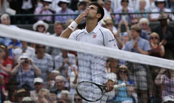 Djokovic. El tenista serbio celebra su clasificación entre los ocho mejores de Wimbledon. Foto: AFP