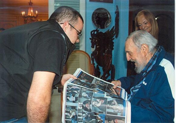 Fidel Castro con el presidente de la Federación Estudiantil Universitarios. Foto: EFE