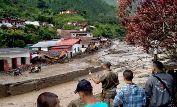 Departamento de Colombia es arrasado por una avalancha. Foto: EFE