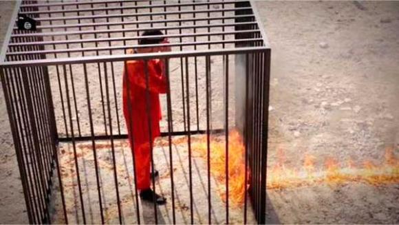Yihadistas quemaron vivo al piloto jordano.