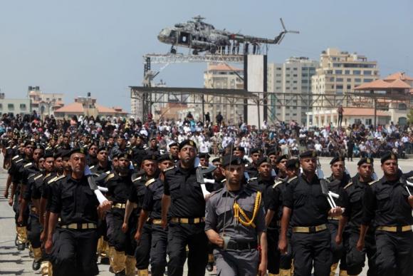Milicianos de Hamas hacen demostración en la franja. Foto: AFP.