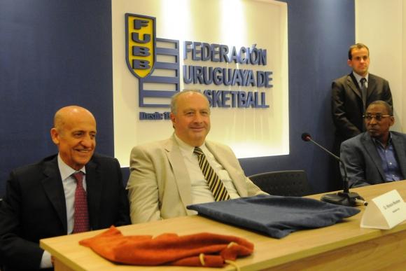 Maglione y Muratore en la inauguración de la sala de asambleas. Foto: L. Carreño