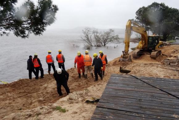 Maldonado: rotura de un troncal de OSE tiene en vilo a la zona. Foto: R. Figueredo