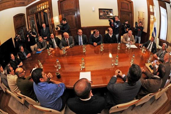 El acuerdo se firmó en la residencia presidencial de Suárez. Foto: Presidencia