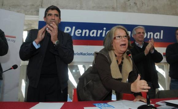 2014. El Plenario Nacional del FA confirma a Vázquez y Sendic como fórmula presidencial. Foto: Archivo El País.