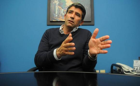 2014. Sendic conversa con El País, ya como candidato a la vicepresidencia. Foto: Archivo El País.