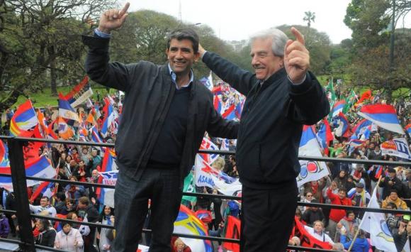 2014. Vázquez y Sendic en campaña.  Foto: Archivo El País.