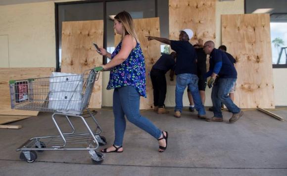 Miami se prepara para la llegada del huracán Irma. Foto: AFP.