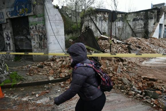 Derrumbe en Agraciada y San Martín. Foto: Fernando Ponzetto