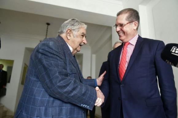 José Mujica y el embajador de Brasil en Uruguay, Hadil Fontes da Rocha. Foto: Fernando Ponzetto.