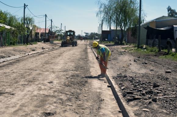 Trabajos sobre la calle en el barrio las Láminas, en septiembre de 2016. Foto: Fernando Ponzetto.