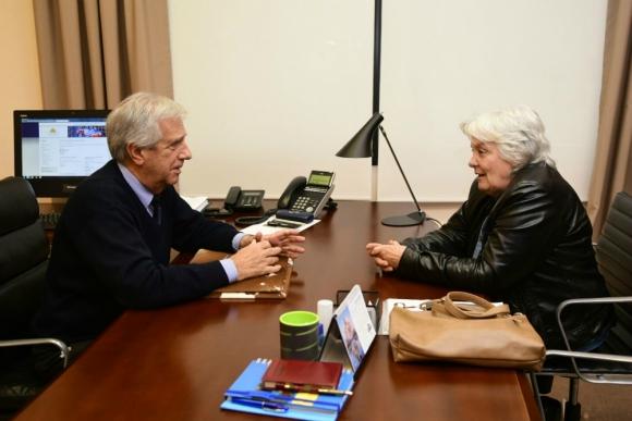 Tabaré Vázquez en reunión con Lucía Topolansky. Foto: Marcelo Bonjour