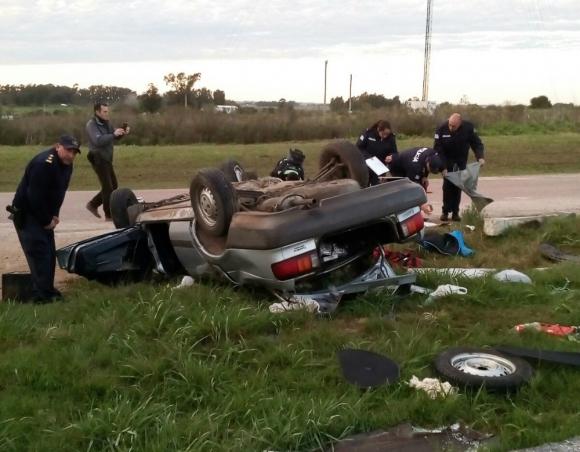 El vehículo que utilizaron los delincuentes volcó mientras huía a Montevideo
