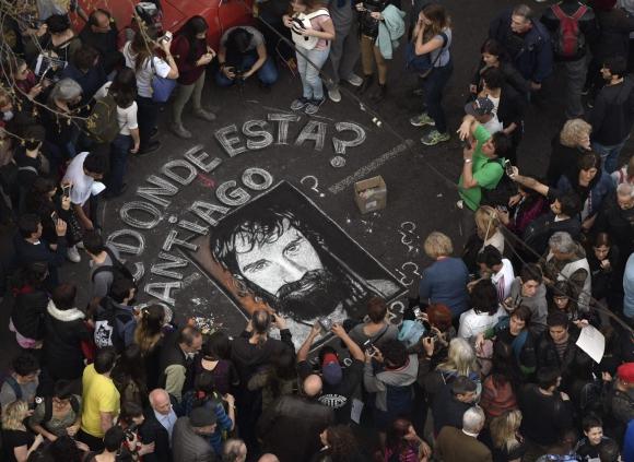 Una multitud que se concentró el viernes en Buenos Aires para reclamar por Santiago Maldonado. Foto: AFP