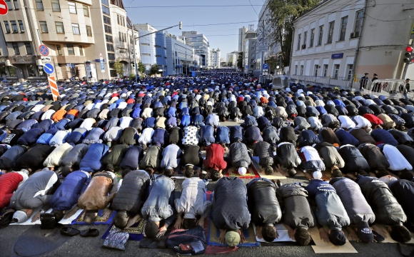 Musulmanes celebran la Fiesta del Sacrificio en todo el mundo. Foto: EFE