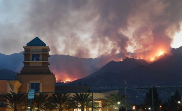 Solo el 10% de las llamas ha sido controlado. Foto: AFP