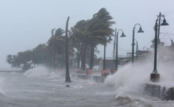 La furia del huracán golpea el municipio de Fajardo. Foto: Reuters