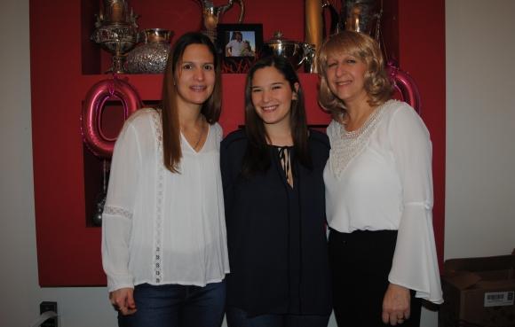 Mireya, Diana y Rosario Martínez.