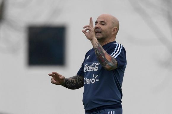 Jorge Sampaoli en el entrenamiento de Argentina en Ezeiza. Foto: AFP