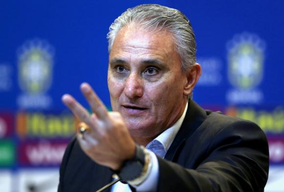 Tité, entrenador de Brasil, en conferencia de prensa. Foto: Reuters