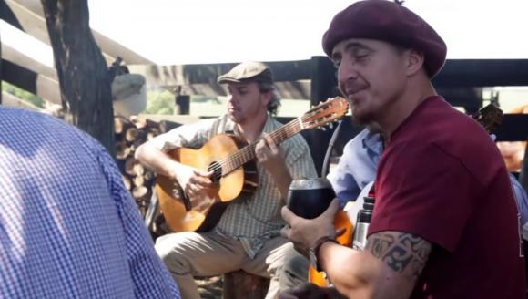 captura de pantalla del video El agrario de Sin Estribos