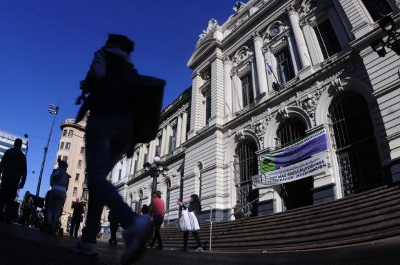 Una hora antes de la ocupación los funcionarios sindicalizados iniciarán un paro. Foto: F. Ponzetto