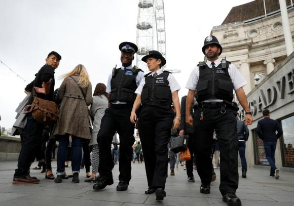 La jefa de Policía recorre el Southbank de Londres. Foto: Reuters