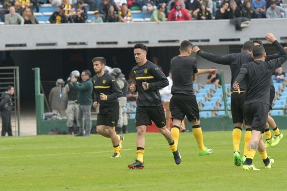 Los movimientos precompetitivos de Peñarol. Foto: Francisco Flores