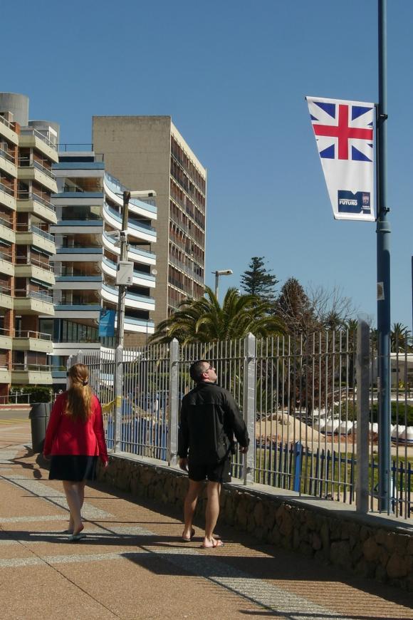 La bandera espera por la regata. Foto: Ricardo Figueredo