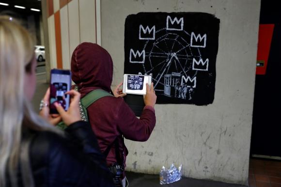 Dos nuevos murales de Banksy en Londres. Foto: Reuters