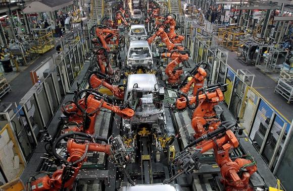 Cooperación. El acuerdo incluye trabajo en conjunto en áreas como auto conectado, programas de movilidad, vehículos eléctricos y abastecimiento, entre otras. (Foto: Reuters)