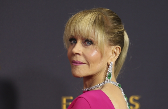 Jane Fonda en los Emmy. Foto: Reuters