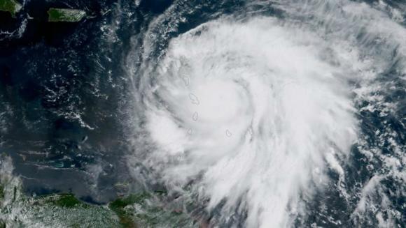 Imagen satelital que muestra la trayectoria del ojo del huracán María. Foto: EFE