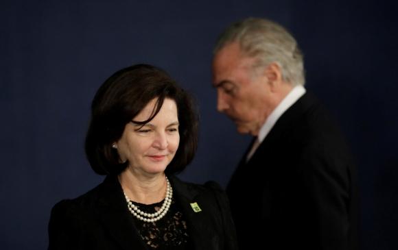 La nueva fiscal general asumió en Brasilia en una ceremonia donde participó Temer. Foto: Reuters