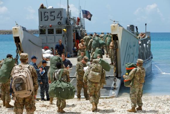 Marines estadounidenses evacuan las Islas Vírgenes. Foto: Reuters.
