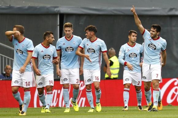 El festejo de Maximiliano Gómez de uno de sus goles para Celta de Vigo. Foto: EFE