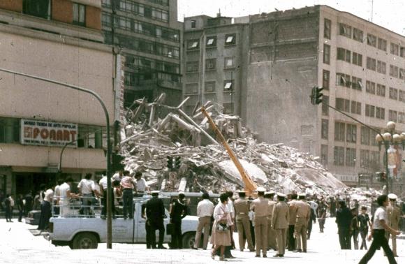 Terremoto  en ciudad de México en 1985. Foto: Archivo El País