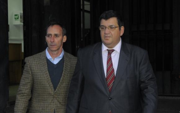 Matías Campiani junto a su abogado Jorge Barrera. Foto: Archivo El País