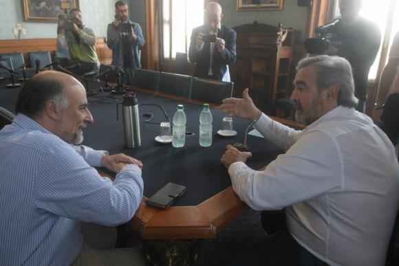 Los líderes opositores Mieres y Larrañaga en el Palacio. Foto: F. Ponzetto