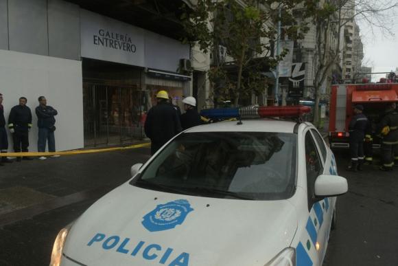 Incendio en Galería del Entrevero. Foto: Francisco Flores