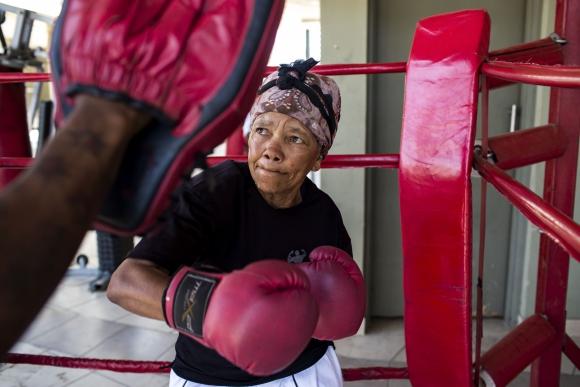 Las abuelas boxeadoras de Sidáfrica. Foto: AFP