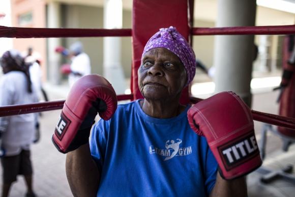 Llegan de distintas partes para boxear. Foto: AFP