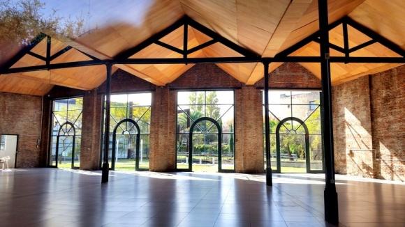 El Centro Cultural AFE está ubicado en el antiguo galpón de la ferroviaria.