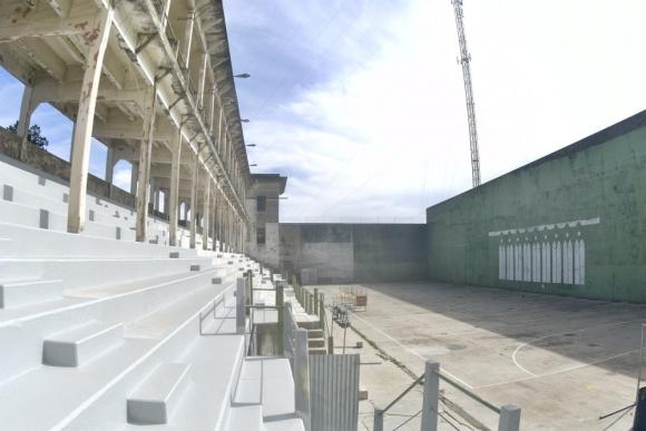 El frontón de pelota Real de San Carlos cuenta con una cancha de 64 metros de largo, la más grande de Sudamérica.