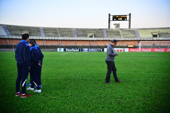 Postales del choque entre Racing y Nacional en Rivera. Foto: Gerardo Pérez